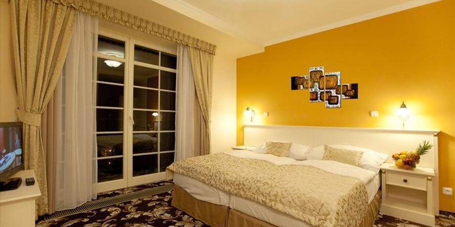 Отдых и лечение в Карловых Варах – отель Cajkovskij Palace 4*